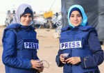 """صحفيو غزة في """"ساحة المعركة"""" بلا دروع حماية"""