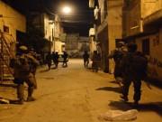 مداهمات واعتقالات في مناطق بالضفة الغربية