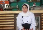 """عائلة غزّية تكسر حاجز البطالة بمشروع """"مطعم"""""""