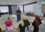 """فلسطينيات تبدأ تدريباً حول """"تقارير الهواتف المحمولة"""""""