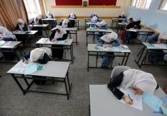 هل تُقتل أحلام الناجحين في الثانوية العامة على مقصلة الفقر؟