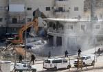 الاحتلال يهدم منزلا في قرية الولجة شمال غرب بيت لحم