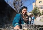أم كمال.. 40 عاما في طبخ الصابون البلدي