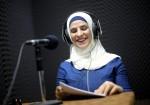 أول مذيعة كفيفة في التلفزيون الرسمي الفلسطيني