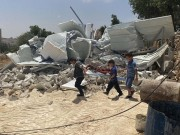 قوات الاحتلال تهدم منزلا في بلدة الخضر جنوب بيت لحم.