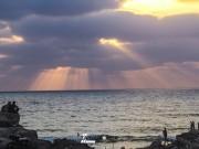 شاطىء بحر غزة ليلًا