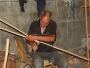 بالصور :الخيرزان في غزة،،، كيف تتم صناعته؟!