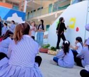 طفلتان من رام الله ترسمان جداريات توعوية حول كورونا | فيديو