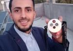 """""""ميدالية كورونا الذكية"""".. اختراع فلسطيني لتعزيز التباعد الجسدي"""