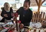 النفايات الصلبة قطع فنية في مبادرة لحماية البيئة البحرية