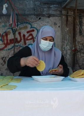 مريم صالحة..عشرون عامًا في صناعة القطايف