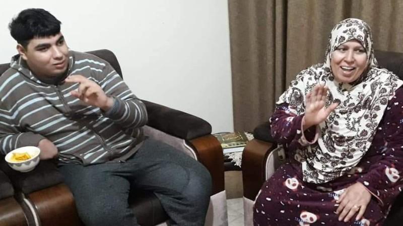 أميرة صبح وابنها عبد الرحمن