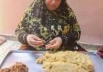 الكعك يفوح في غزة.. من أين جاءت الرائحة؟