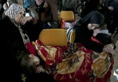 نساء يتحدثن عن طريق الآلام من وإلى قطاع غزة
