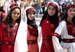 الزي الفلسطيني.. وتدٌ في وجه إعصار طمس الهوية
