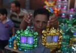 """رمضان للغزيين: """"فرصة دينية واجتماعية واقتصادية"""""""