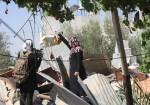 وداد أبو عابد : قصفوا البيت وسنعيد بناءه